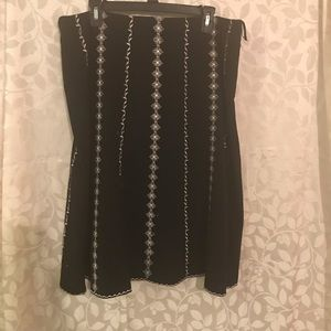 Silkland Pretty Black and White Embroidered Skirt